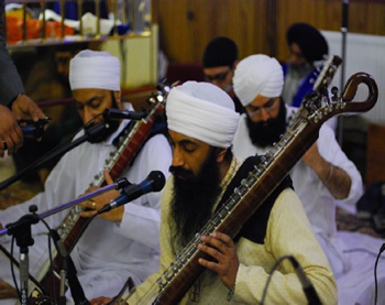 Kirtan by Gursharan Singh and Hari Singh played at Sri Dasam Granth in Leicester