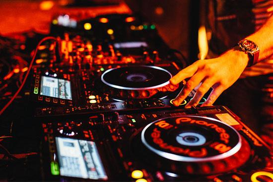Introducing DJ BaLLi